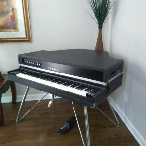Vintage Yamaha CP70b Electric Acoustic Baby Grand Piano