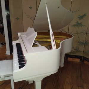 White baby grand piano ( Wholesale)