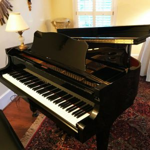 Yamaha baby grand piano / EXCELLENT!