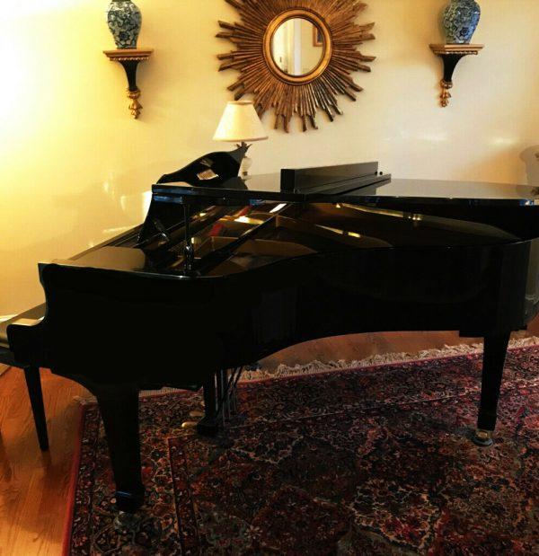 Yamaha Baby Grand Piano G2