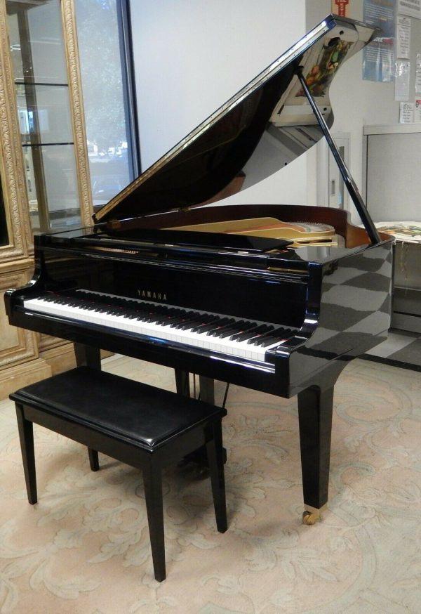 1991 Yamaha baby grand piano / San Francisco / San Jose
