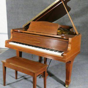 Bargain price / Yamaha grand piano