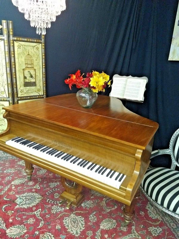 Guillot baby grand piano 5'1