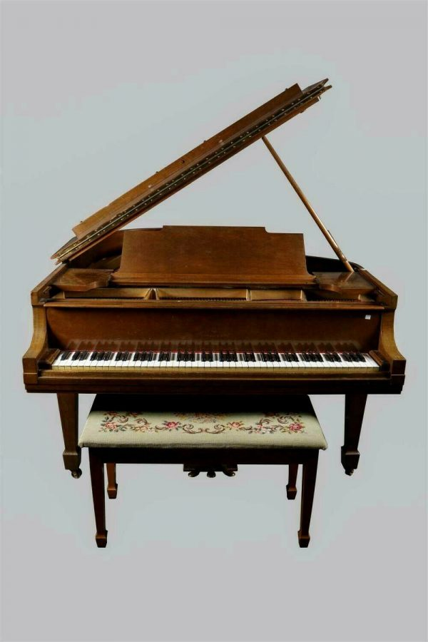 Steinway and Sons 5.7 model M Baby Grand Piano