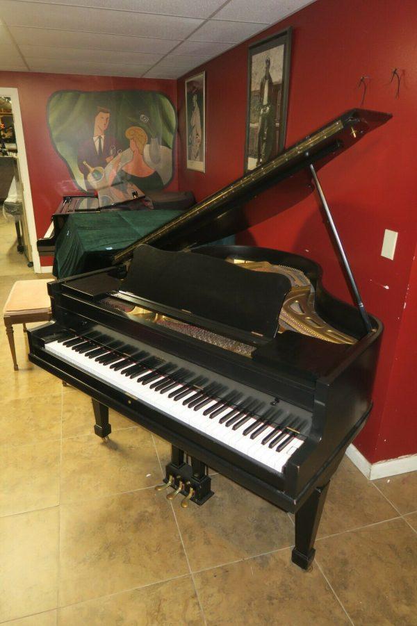Super cute Petite baby grand piano B. K. Settergren