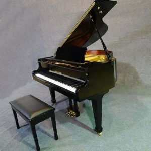 A real beauty ! Black 4'7 baby grand piano Kohler & Campbell
